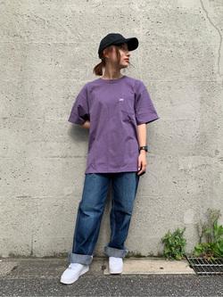 Lee アミュプラザ博多店のMISAKIさんのLeeの【ユニセックス】ワンポイントロゴ刺繍 半袖Tシャツを使ったコーディネート