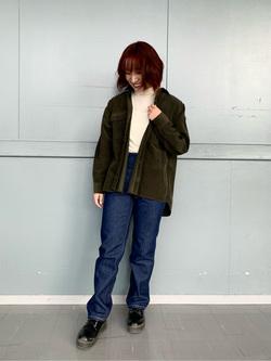 Lee アミュプラザ博多店のMISAKIさんのLeeの【Winter sale】【ユニセックス】ビッグフィット ワークシャツ(コーデュロイ)を使ったコーディネート