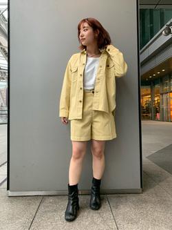 Lee アミュプラザ博多店のMISAKIさんのLeeの【SPRING SALE】【セットアップ対応】シャツジャケットを使ったコーディネート