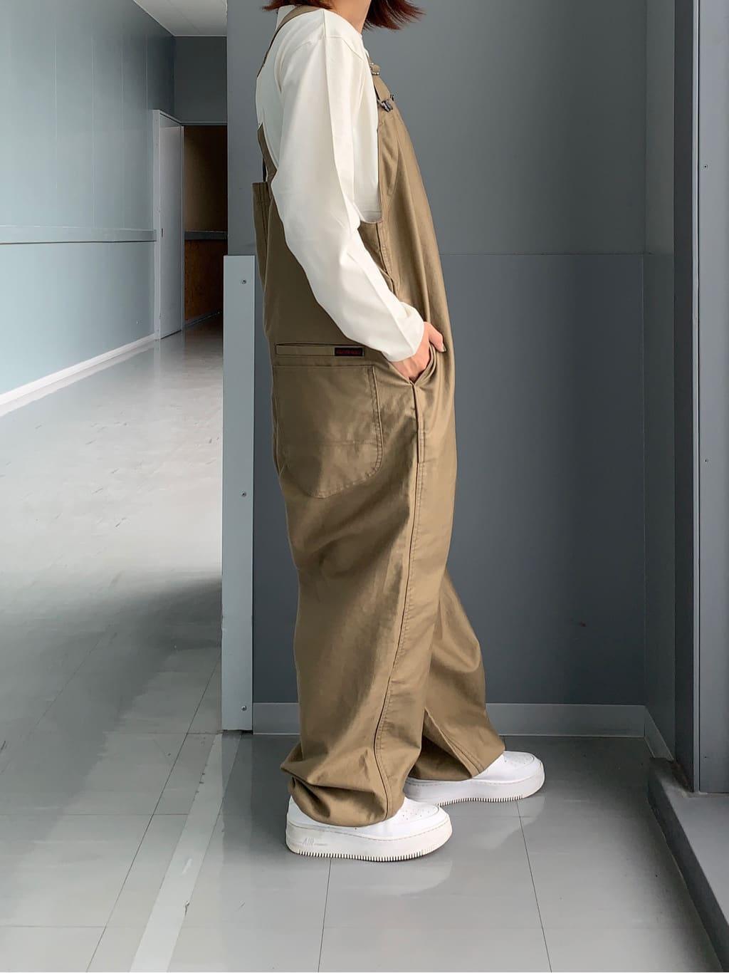 Lee アミュプラザ博多店のMISAKIさんのLeeの【Lee×GRAMICCI(グラミチ)】オーバーオールを使ったコーディネート