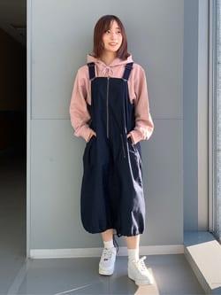 Lee アミュプラザ博多店のMISAKIさんのLeeのミリタリー サロペットスカートを使ったコーディネート