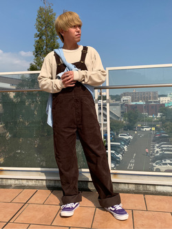 ららぽーと横浜のshoheiさんのLeeの【期間限定10%OFFクーポン対象】【年間ベストセラー】オーバーオール(コーデュロイ)を使ったコーディネート