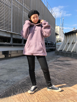ルミネエスト新宿店のAyumiさんのLeeの【ユニセックス】フリースプルオーバーを使ったコーディネート