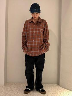 ルミネエスト新宿店のAyumiさんのLeeのチェックオープンカラー 長袖を使ったコーディネート