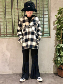ルミネエスト新宿店のAyumiさんのLeeの【さらっと羽織れる】シャツジャケットを使ったコーディネート