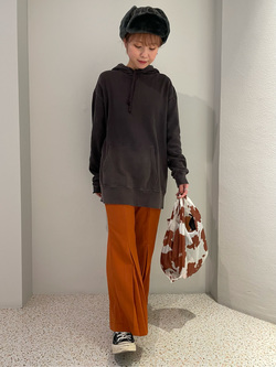 ルミネエスト新宿店のAyumiさんのLeeの【Winter sale】【柔らかく揺れる】プリーツ フレアーパンツを使ったコーディネート