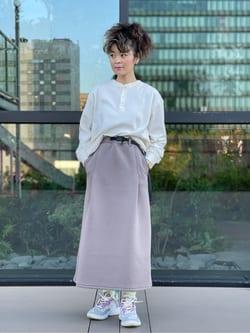 アミュプラザ熊本店のYUUKOさんのLeeの【Lee×GRAMICCI(グラミチ)】タックフレア ミドルスカートを使ったコーディネート