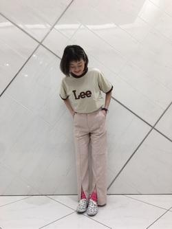 熊本COCOSA店のYUUKOさんのLeeの【シークレットセーール!!】RESORT フロントスリットトラウザーパンツを使ったコーディネート