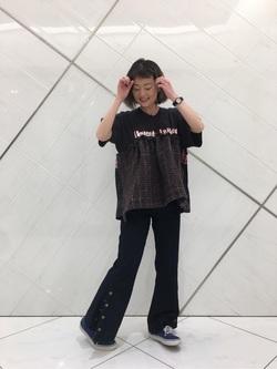 熊本COCOSA店のYUUKOさんのLeeの【シークレットセーール!!】VACATION サイドボタンデニムフレアパンツを使ったコーディネート