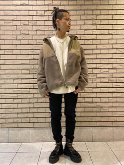 札幌パセオ店のgenさんのLeeの【直営店・WEB限定】バックプリント スウェット/トレーナーを使ったコーディネート