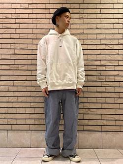 札幌パセオ店のgenさんのLeeの【ユニセックス】DUNGAREES ペインターパンツを使ったコーディネート