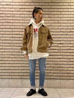 札幌パセオ店のgenさんのLeeの【超快適ストレッチ】すっきり細身スキニーパンツを使ったコーディネート
