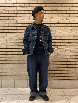 札幌パセオ店のgenさんのLeeの【年間ベストセラー】オーバーオールを使ったコーディネート