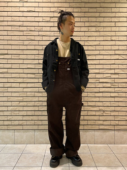 札幌パセオ店のgenさんのLeeの【年間ベストセラー】オーバーオール(コーデュロイ)を使ったコーディネート
