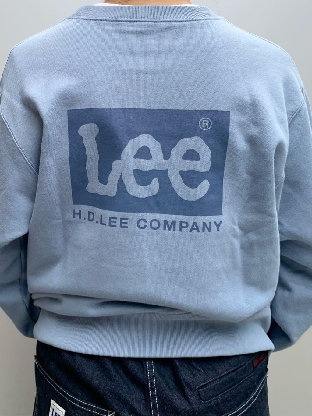 ルクア大阪のwakanaさんのLeeの【Lee×GRAMICCI(グラミチ)】ペインター スリムテーパードパンツを使ったコーディネート