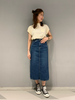 大阪店のwakanaさんのLeeのSTANDARD WARDROBE スカートを使ったコーディネート