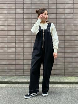 大阪店のwakanaさんのLeeの【限定カラー】【ユニセックス】バルーンサロペット/オーバーオールを使ったコーディネート