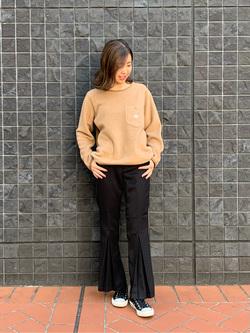 大阪店のwakanaさんのLeeの【柔らかく揺れる】プリーツ フレアーパンツを使ったコーディネート