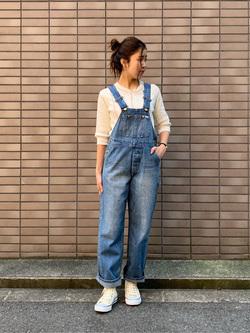 大阪店のwakanaさんのLeeの【The DENIM】Vintage オーバーオール/サロペットを使ったコーディネート