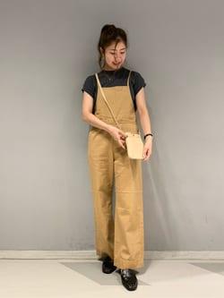 大阪店のwakanaさんのLeeの【直営店/WEB限定カラー】リラックスサロペットを使ったコーディネート