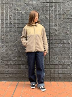 大阪店のwakanaさんのLeeの【ユニセックス】ミニロゴ刺繍 クルーネックスウェットを使ったコーディネート
