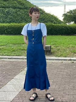 Lee 名古屋店のアンジェラさんのLeeのTRAD GIRL サロペット ロングスカートを使ったコーディネート