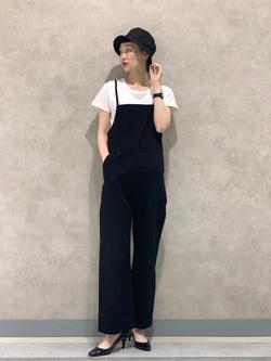 Lee 名古屋店のアンジェラさんのLeeの【直営店/WEB限定カラー】リラックスサロペットを使ったコーディネート
