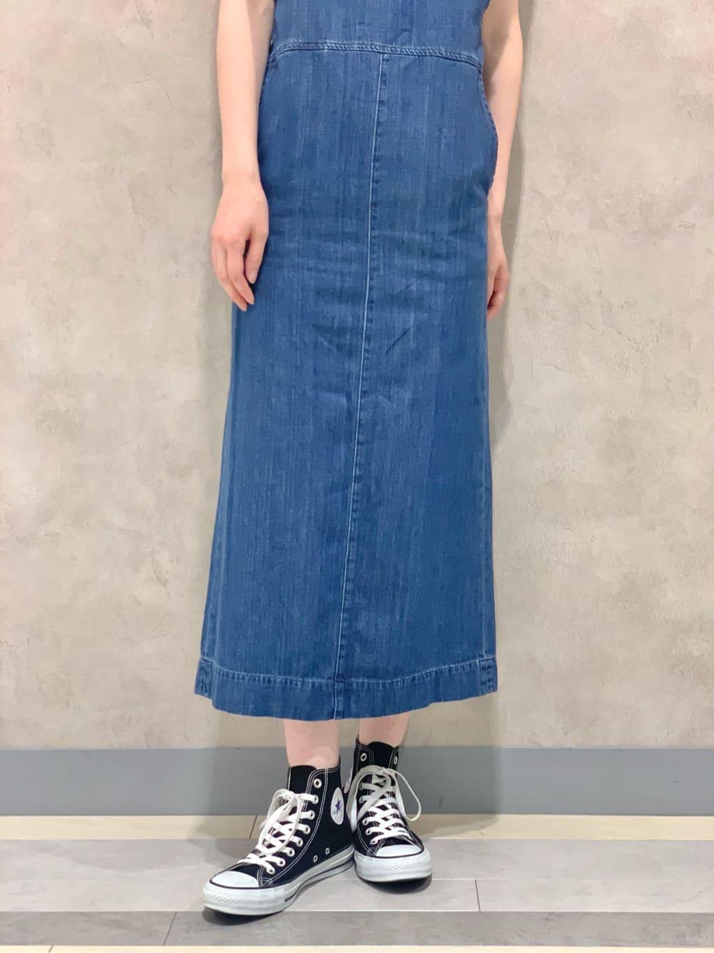 Lee 名古屋店のアンジェラさんのLeeのノースリーブ Tシャツを使ったコーディネート