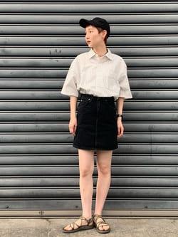 Lee 名古屋店のアンジェラさんのLeeのSTANDARD WARDROBE  デニム ミニスカートを使ったコーディネート