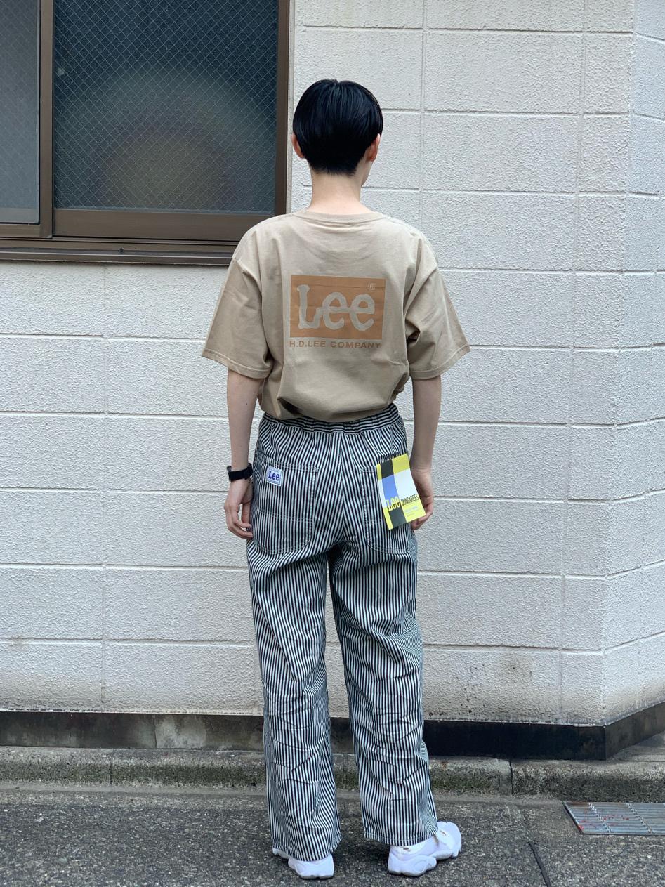 Lee 名古屋店のアンジェラさんのLeeの【ユニセックス】バックプリント 半袖Tシャツを使ったコーディネート