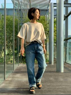 Lee アミュプラザ博多店のYurieさんのLeeの【Pre sale】【ユニセックス】ヘビーウエイト Tシャツを使ったコーディネート