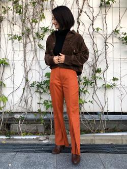 アミュプラザ博多店のYurieさんのLeeの【柔らかく揺れる】プリーツ フレアーパンツを使ったコーディネート