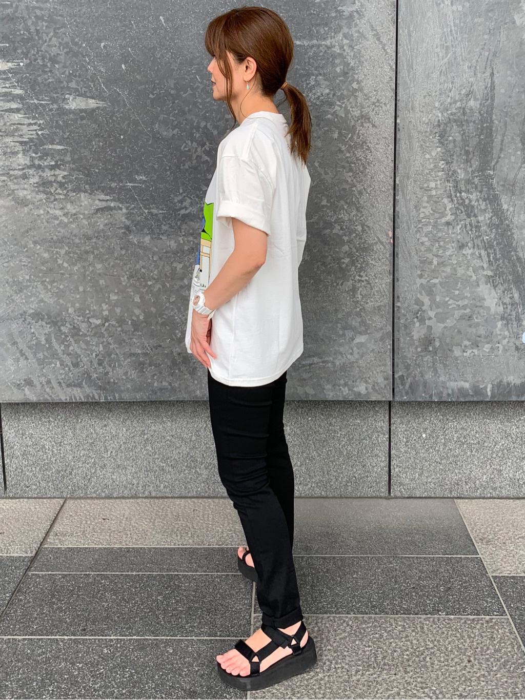 LINKS UMEDA店のYUKIさんのEDWINの【限定】ジーパン女子×江口寿史 Tシャツ Afternoon class 【ユニセックス】を使ったコーディネート