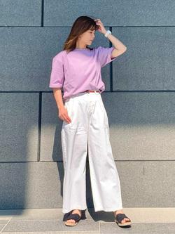 LINKS UMEDA店のYUKIさんのSOMETHINGの終了【ガレージセール】SOMETHING フォトビッグTシャツを使ったコーディネート