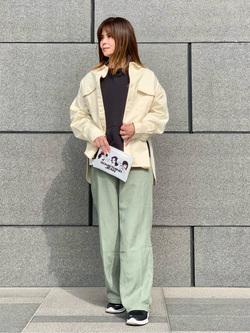 LINKS UMEDA店のYUKIさんのSOMETHINGのSOMETHING ビッグシャツを使ったコーディネート