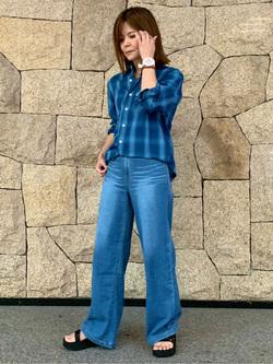 LINKS UMEDA店のYUKIさんのEDWINの【再値下げ!サマーセール】インディゴ チェックシャツ 長袖を使ったコーディネート