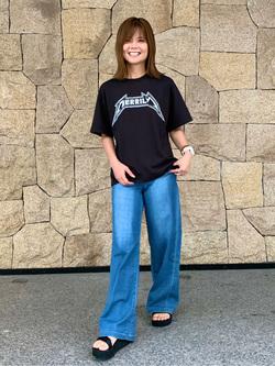 LINKS UMEDA店のYUKIさんのEDWINの終了【ガレージセール】EDWIN LADIES バンドTシャツを使ったコーディネート