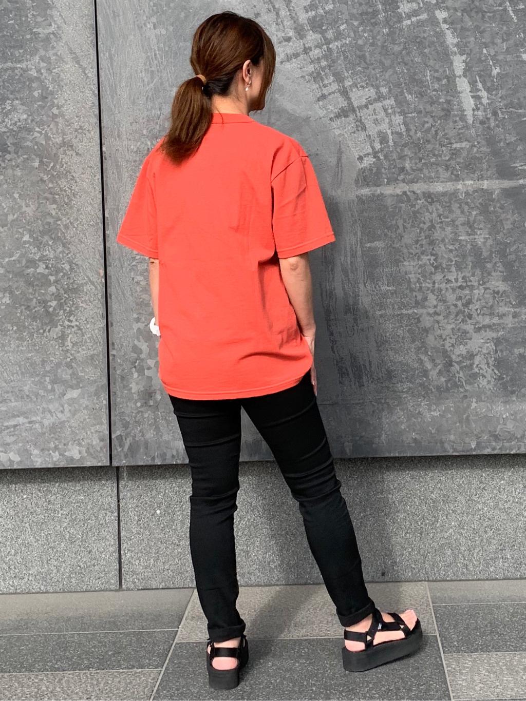 LINKS UMEDA店のYUKIさんのEDWINの【ガレージセール】カレッジロゴ Tシャツ 半袖 Aを使ったコーディネート