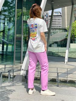 LINKS UMEDA店のYUKIさんのEDWINの【EDWIN 60周年限定】 クルーネック 半袖Tシャツ Cを使ったコーディネート