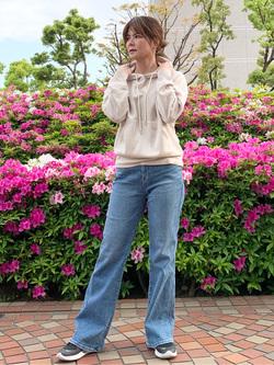 LINKS UMEDA店のYUKIさんのSOMETHINGのSOMETHING LISA フレアを使ったコーディネート