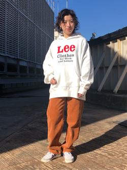 ルミネエスト新宿店のAzusaさんのLeeの【再値下げ Winter sale】【ヘビーウエイト】プリントパーカー1を使ったコーディネート