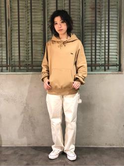 ルミネエスト新宿店のAzusaさんのLeeの【ユニセックス】バックプリントロゴ パーカーを使ったコーディネート