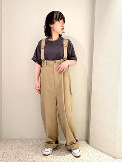 ルミネエスト新宿店のアンドウさんのLeeの【ユニセックス】バッグロゴ 半袖Tシャツを使ったコーディネート