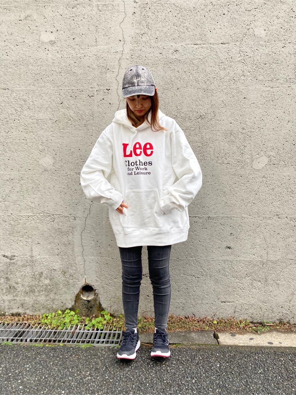 Lee アミュプラザ博多店のMarikoさんのLeeの【再値下げ Winter sale】【ヘビーウエイト】プリントパーカー1を使ったコーディネート