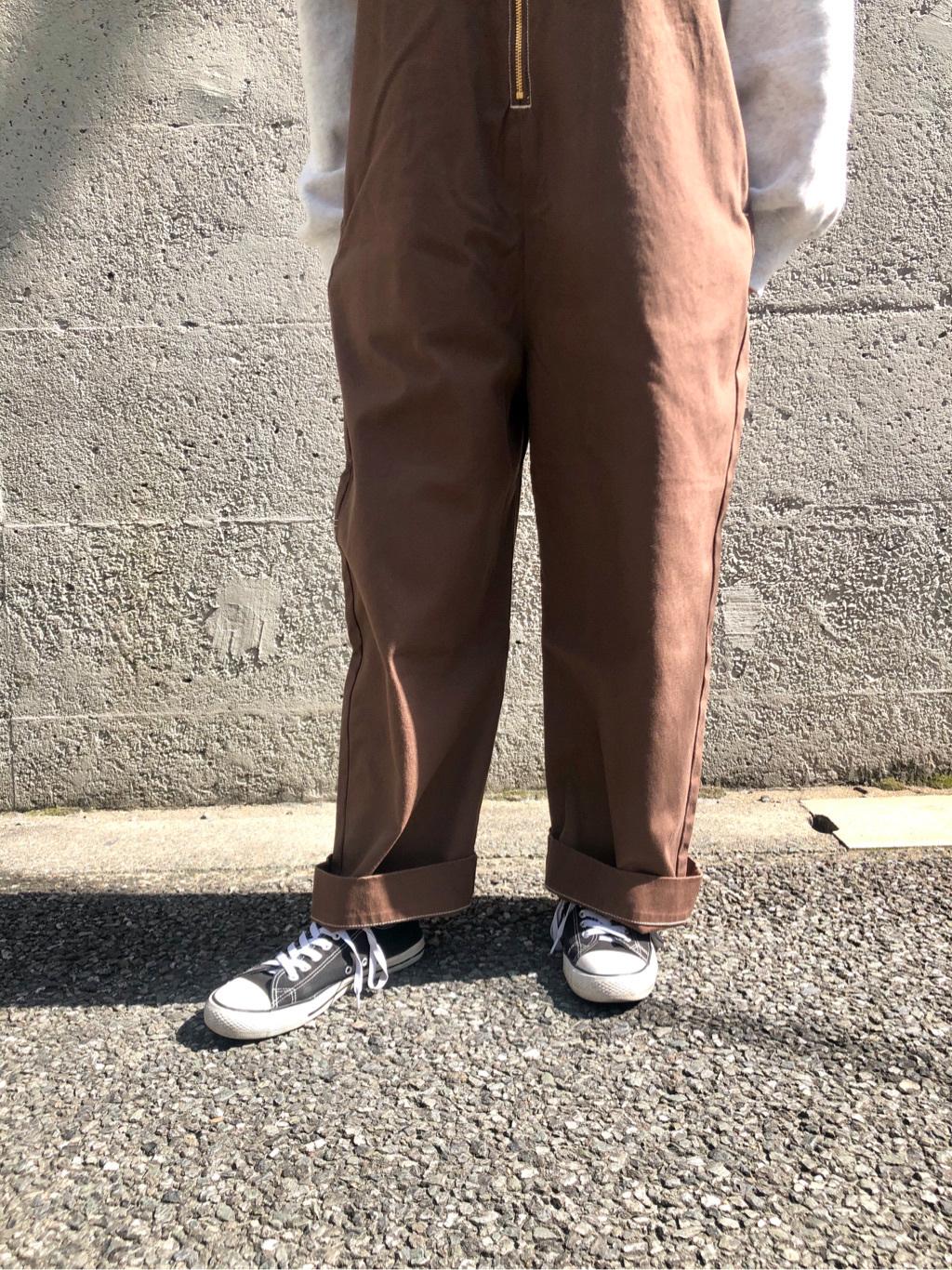 Lee アミュプラザ博多店のMarikoさんのLeeの【限定カラー】【ユニセックス】バルーンサロペット/オーバーオールを使ったコーディネート