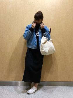 成田空港店(閉店)のMegumiさんのLeeの終了【直営店舗限定】ロゴプリント マキシパーカーを使ったコーディネート