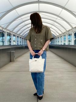 成田空港店(閉店)のMegumiさんのLeeの終了【再値下げ!サマーセール】ルーズフィットシャツ 半袖を使ったコーディネート