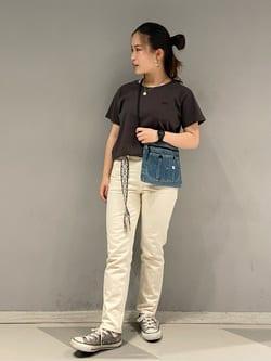 大阪店(閉店)のRunaさんのLeeの終了【ガレージセール】ワンポイントロゴ刺繍 半袖Tシャツを使ったコーディネート