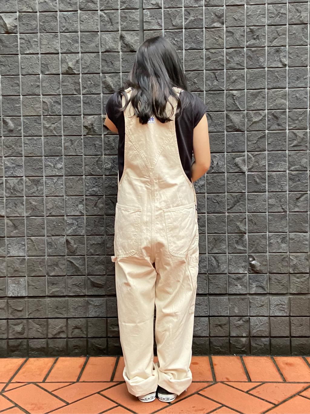 大阪店のRunaさんのLeeの【年間ベストセラー】オーバーオールを使ったコーディネート
