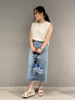 大阪店のRunaさんのLeeの【TOPS 15%OFFクーポン対象】【SALE】ノースリーブ Tシャツを使ったコーディネート